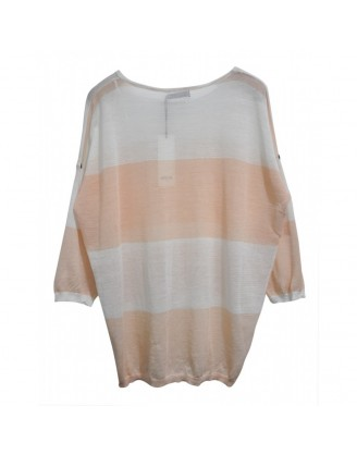 Beautiful white and light peach oversize sweater in fine knit with 3/4 sleeves